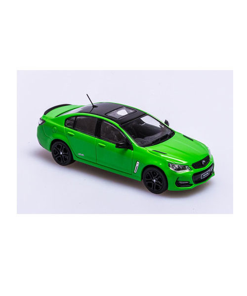 B432717B_VF_COMMODORE_SS_REDLINE_SPITFIRE_GREEN